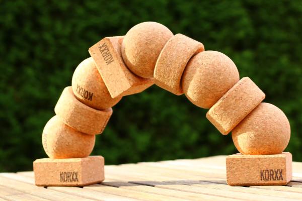 stacking-balancing-tower-cork-spheres